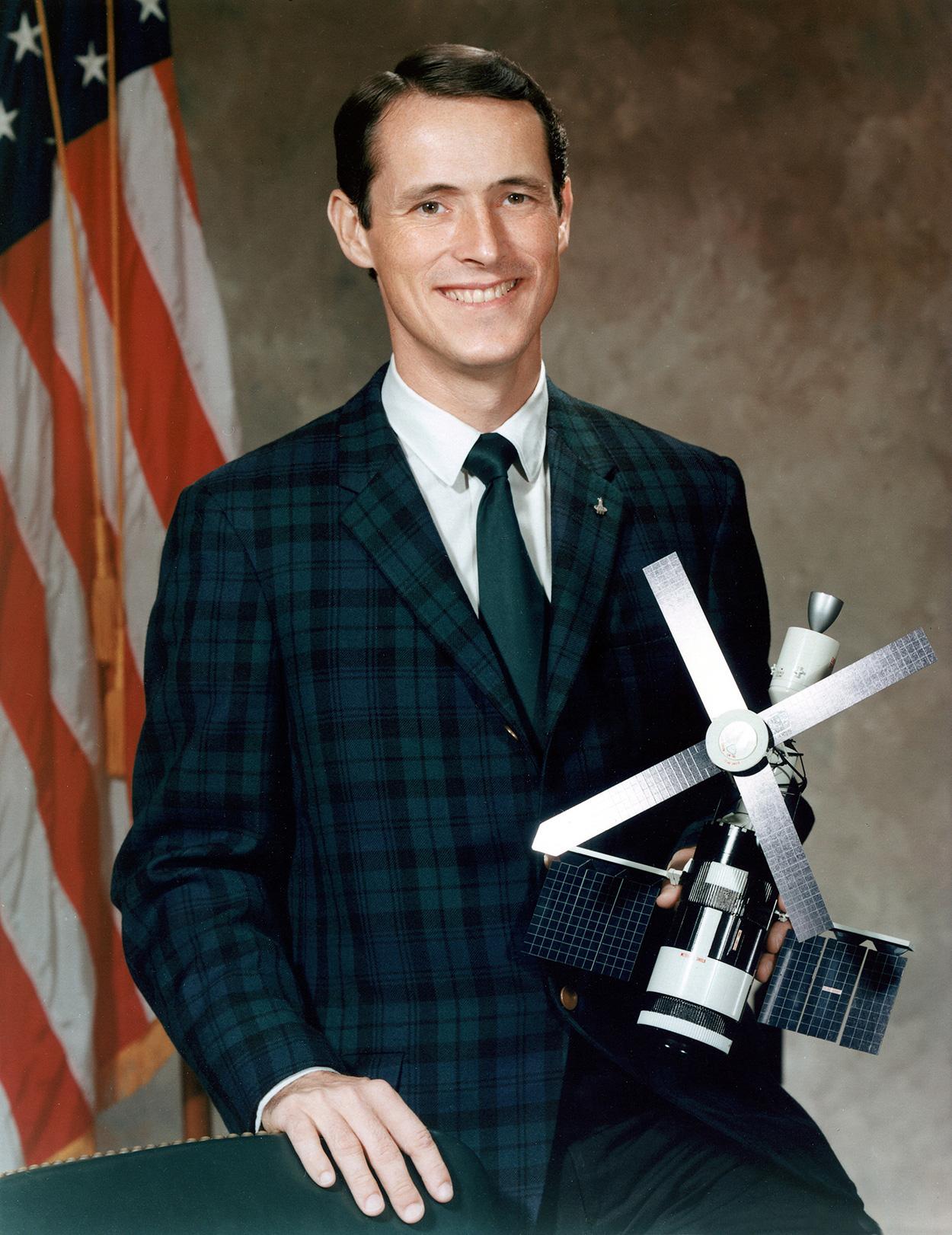 Ed Gibson's Skylab mission portrait.