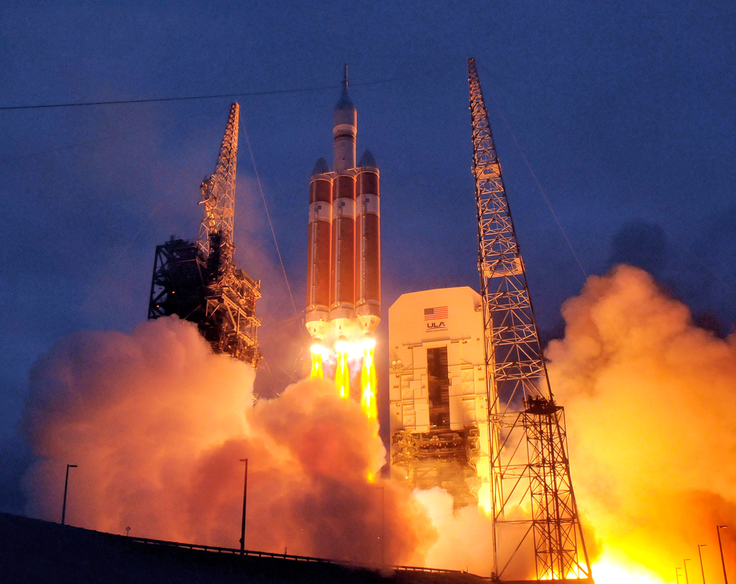 Orion EFT-1 Launch. Credit: Julian Leek/JNN