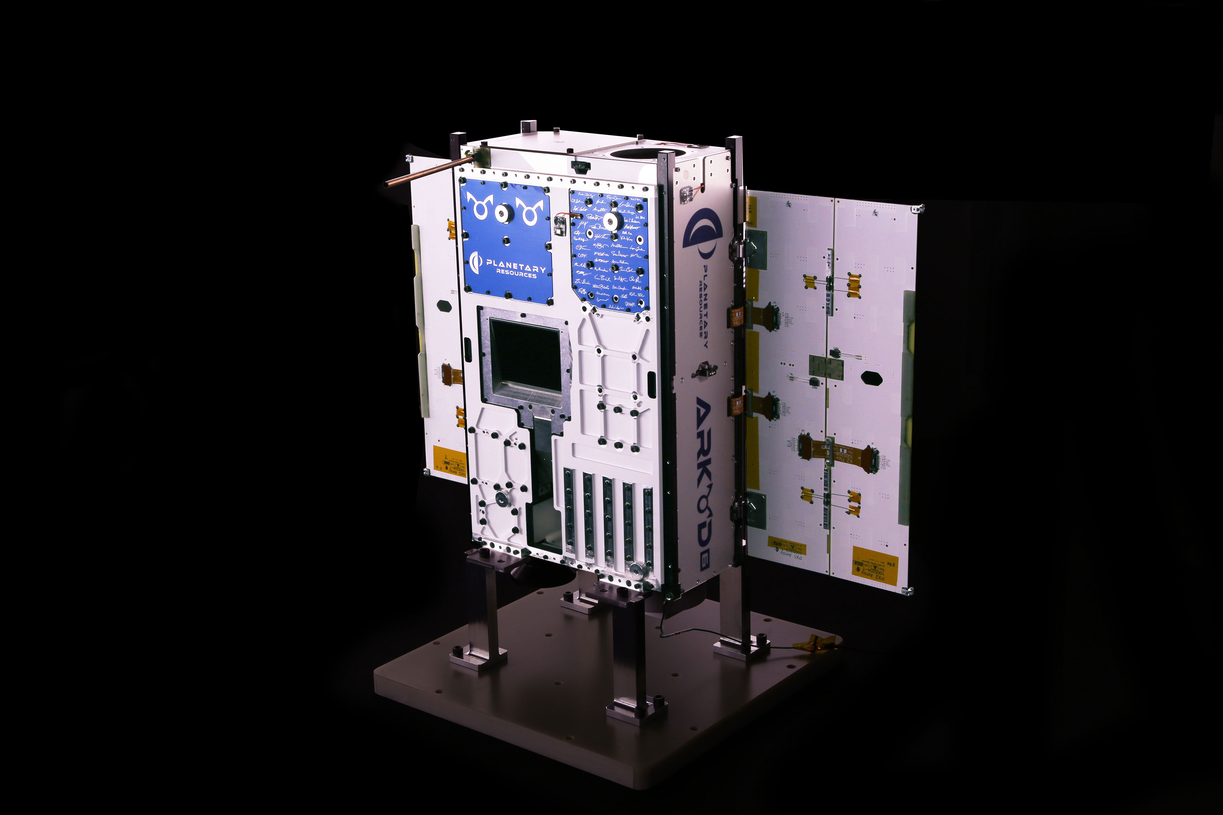 The Arkyd 6 spacecraft, with the first ever commercial thermographic sensor, is ready for delivery to the launch pad for launch this year. Credit: Planetary Resources